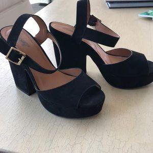 Black suede heels med high